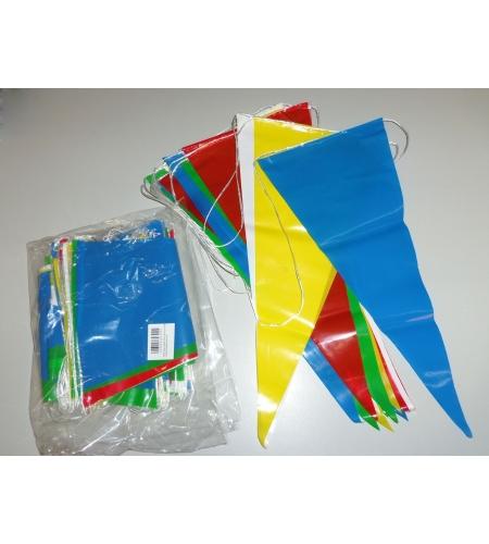 Bandeirolas triangulares em fita